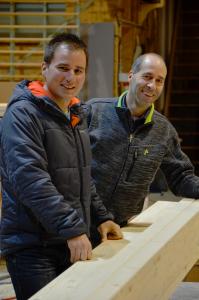 Pierre Oberson et Jean Barras, les concepteurs et fabricants de l'ossature.