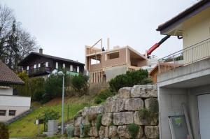 La maison prend forme aux abords du chemin de l'Essert.