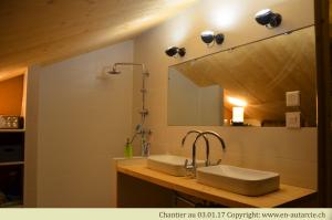 03.01.17 La première salle de bain est bientôt terminée.